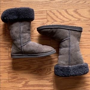 Women's size 9 brown UGG